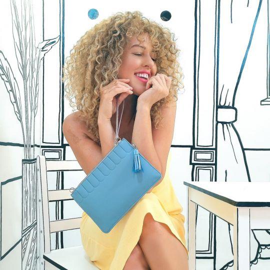 Colour Pop Unterarmtasche – Lila und Blau